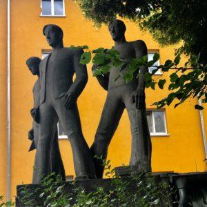 Bauarbeiterdenkmal, Loreleiring Ecke Oestricher Straße